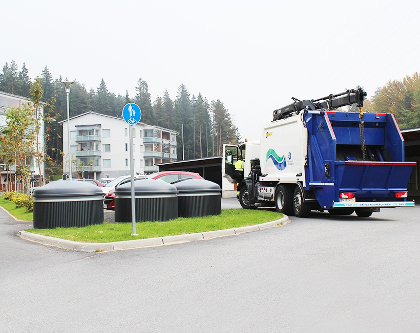 Molok Deep Collection system decreases annual fuel consumption with 15% compared to surface collection system. Effect in a city of 100 000 inhabitants / 1 900 waste loads / year.