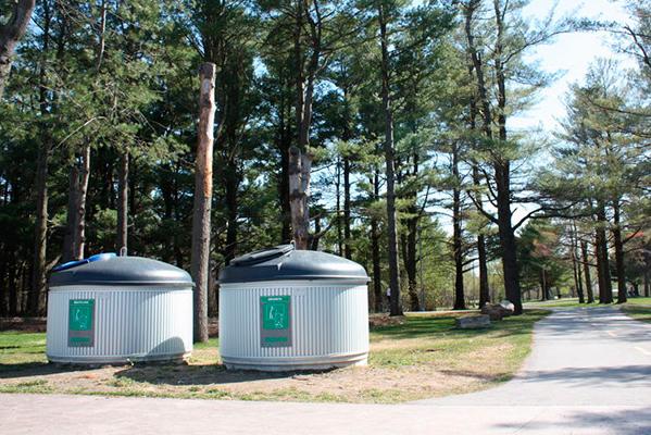 contenedores reciclaje parque natural